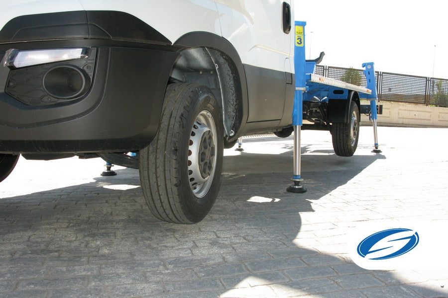 lifting platforms for trucks ForSte 16T stabilizers Socage
