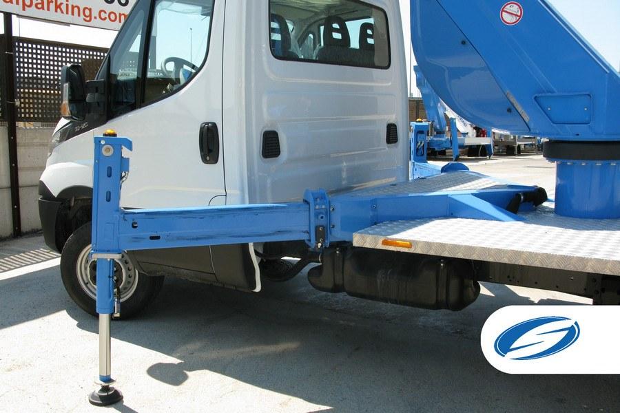 platform on truck ForSte 20T stabilizers Socage