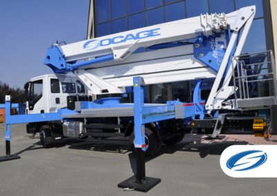 platforms on truck with jib ForSte 37DJ stabilizers Socage