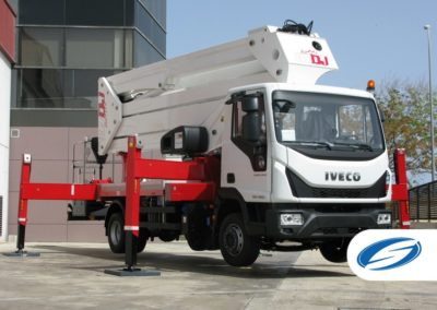platforms on truck with jib ForSte 37DJ stabilizers red Socage